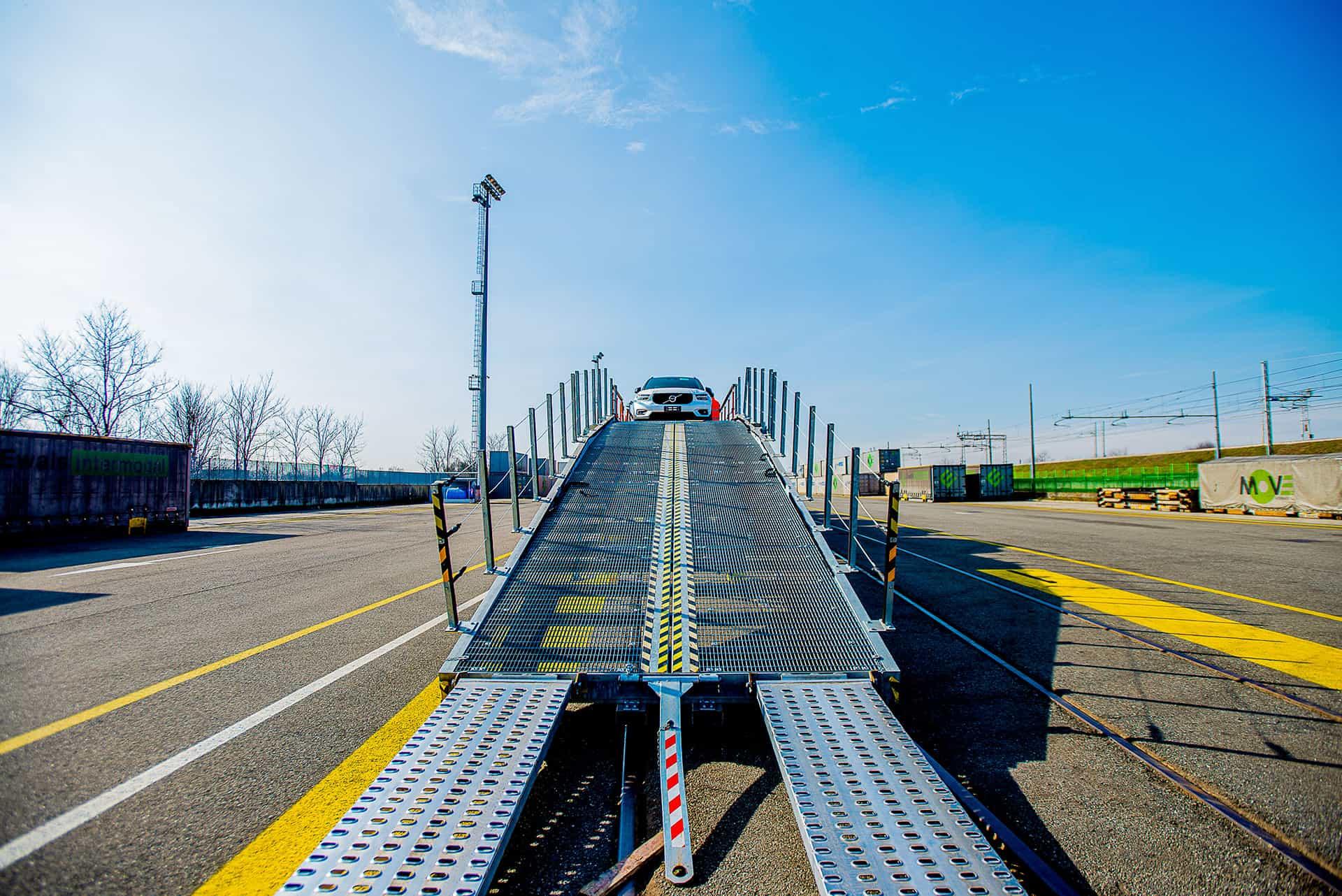 Trasporto convenzionale - trasporto auto a Malpensa Intermodale
